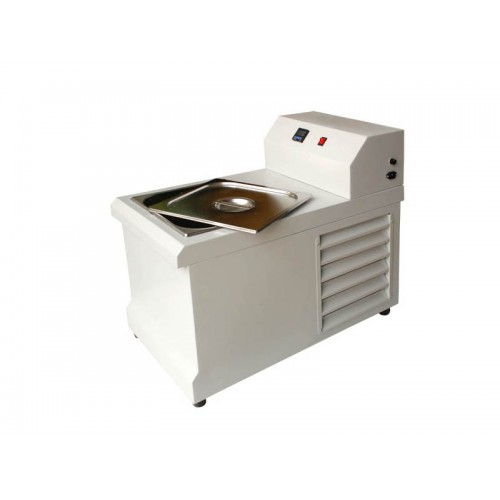 Digital water bath with cooling